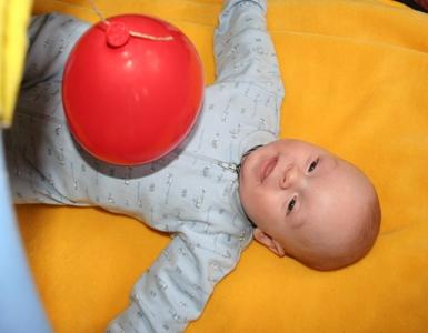 Spielzeug für Babys zwischen 4 und 6 Monaten